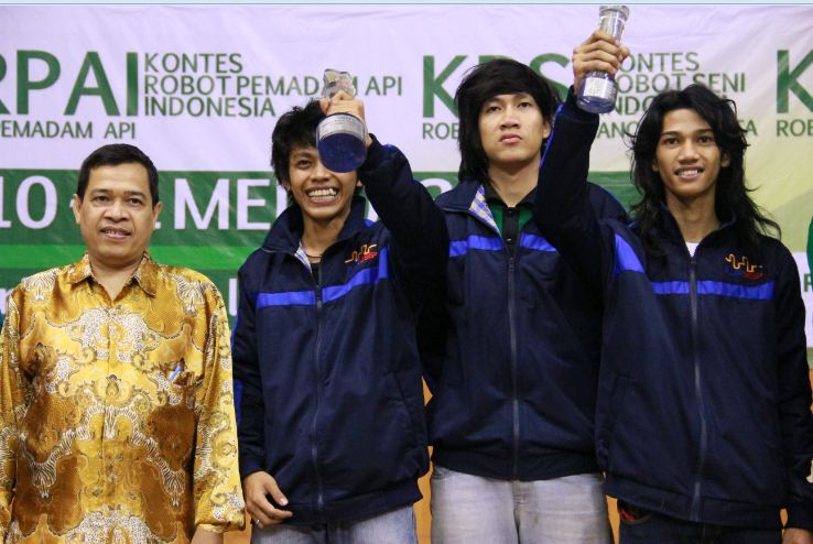 Kontes Robot Indonesia 2013