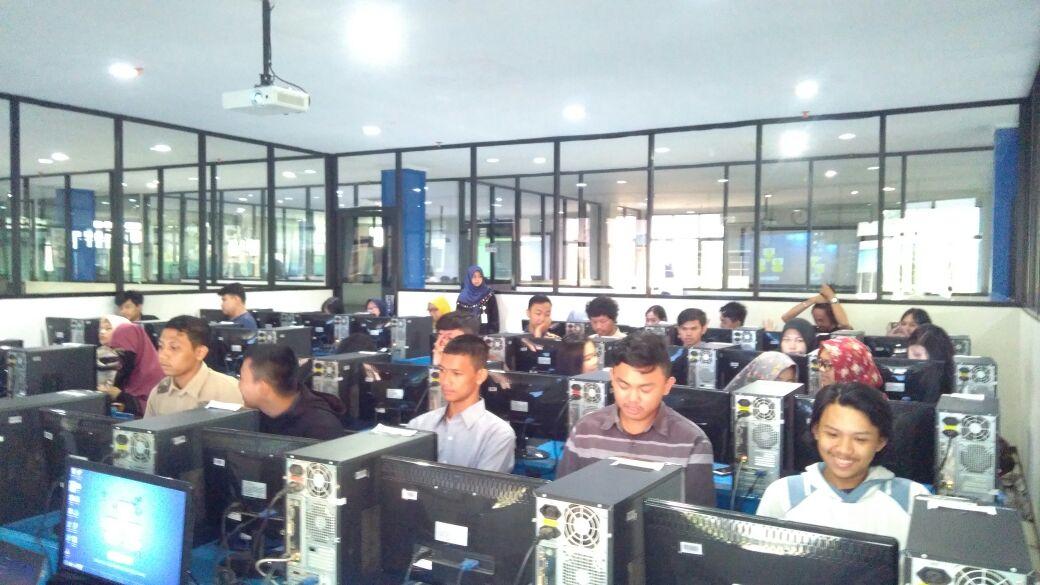 Pelaksanaan Workshop Pemrograman Android dan Pemrograman Web PHP