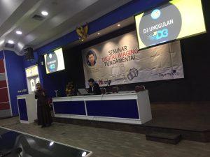 Sambutan dan Perkenalan D3 Unggulan oleh Ibu Ratna Ujiandari, S.Kom, M.M