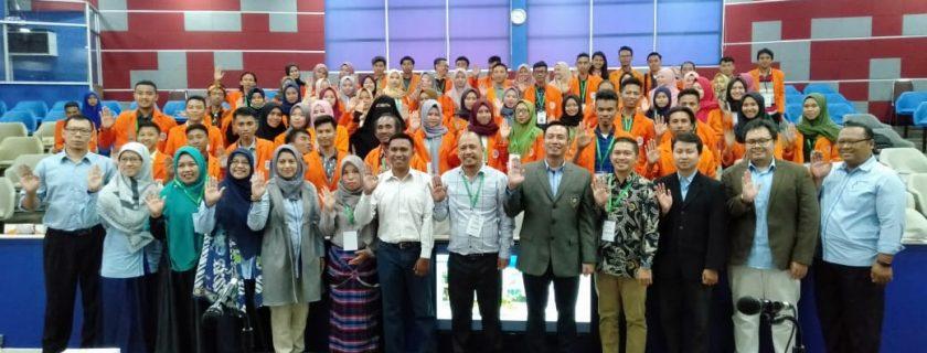 Foto Bersama Kegiatan Studi Banding STMIK Bina Bangsa Kendari