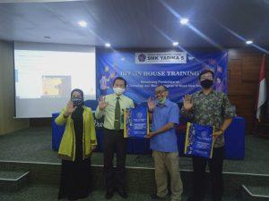 Foto Bersama Kegiatan PPM Dengan Kepala Sekolah SMK Yadika 5 Pondok Aren