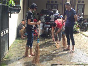 Kegiatan Kerja Bakti Lingkungan Setempat